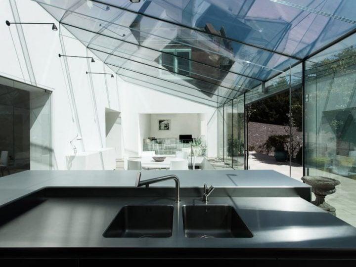 Le verre sur mesure dans la maison par votre vitrier