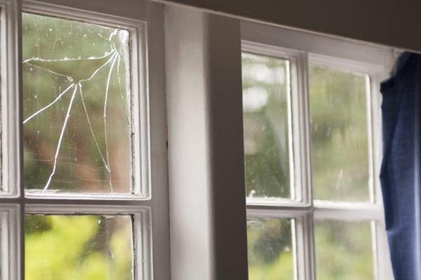 Remplacement de vitres par nos experts sur Bruxelles