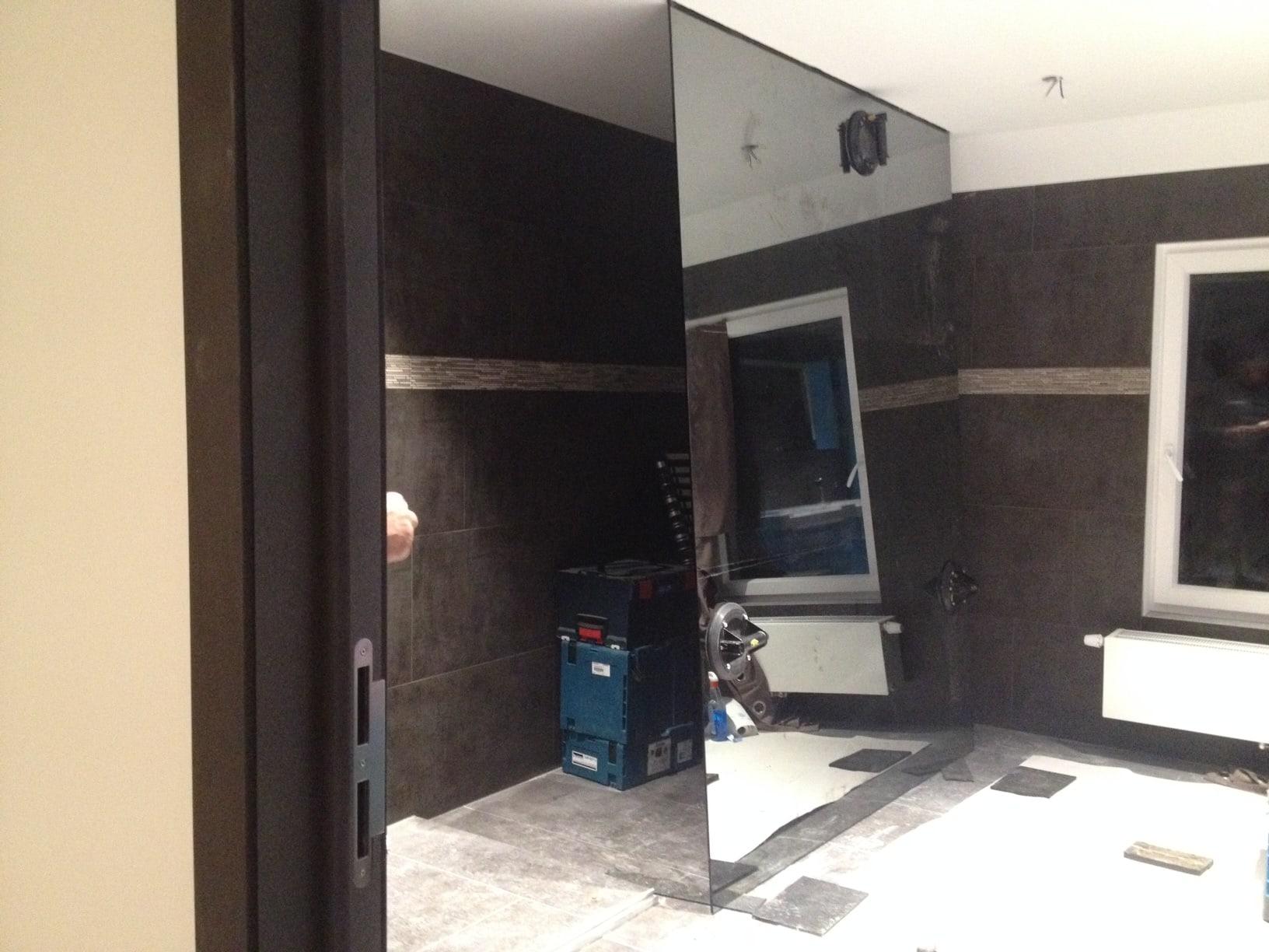 paroi de douche italienne effet miroir stunning en angle with paroi de douche italienne effet. Black Bedroom Furniture Sets. Home Design Ideas